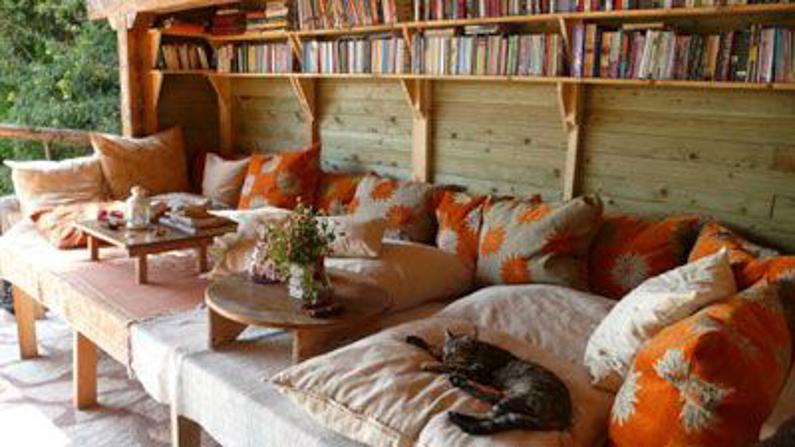 turan-hill-lounge