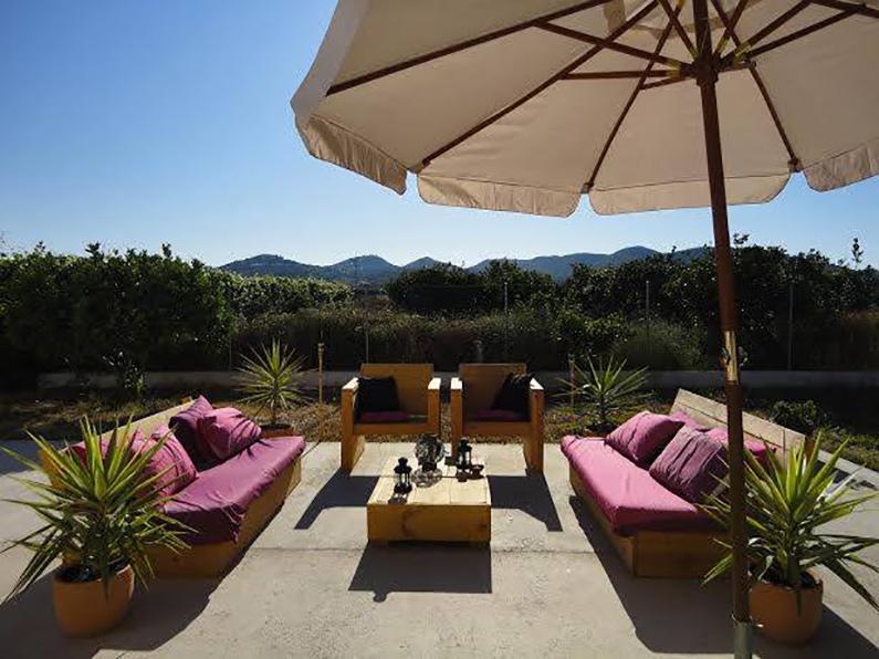 casa-ibiza-goedkoop-huis-huren-terras2