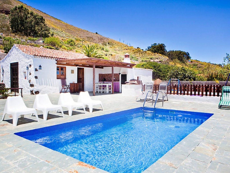 Kindvriendelijk huis op tenerife your future postcard - Huis design met zwembad ...